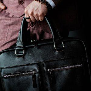 Best Garment Bag • Reviews & Buying Guide (January 2021)