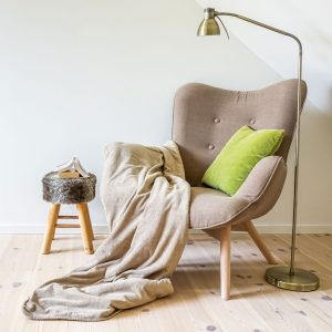 Best Reading Chair • Reviews & Buying Guide (December 2020)